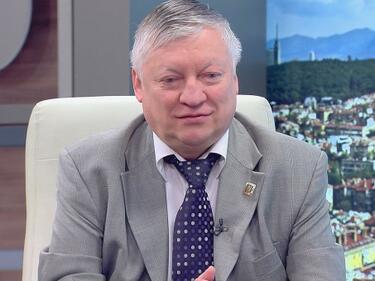Борисов отсвири Карпов заради безумно изказване за азбуката