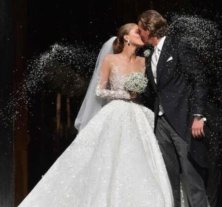 Дъщерята на Сваровски се омъжи в рокля за 1 млн. долара (СНИМКИ)