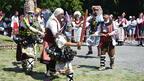 4000 певци и музиканти се надпяват и надиграват край Велико Търново