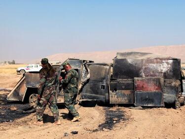 Кървава баня в Мосул, джихадист се взриви сред група бежанци
