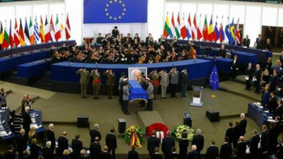 Европа се прощава днес с един от своите обединители -