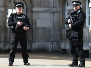 Задържаха трима терористи в Южна Англия, подготвяли атентати