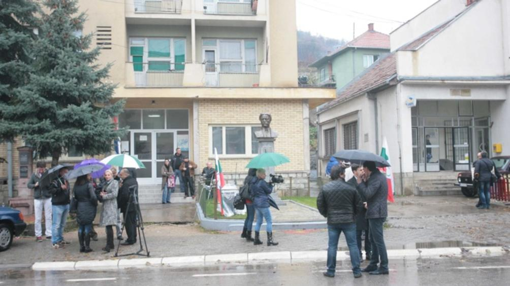 Сръбските власти планират да заселват бежанци и мигранти в Западните