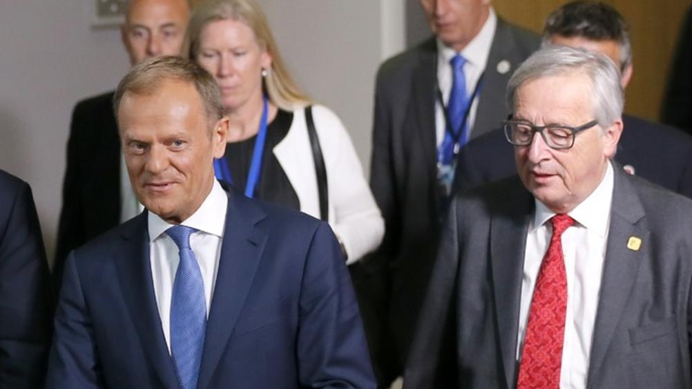 Председателят на Европейския съвет Доналд Туск и ръководителят на Еврокомисията