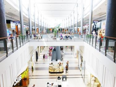 Затвориха бургаски мол след анонимен сигнал за бомба
