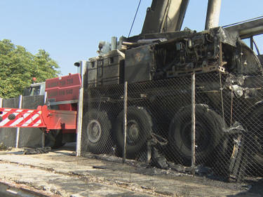 Умишлен палеж спря събарянето на паметника пред НДК, подозират пазача