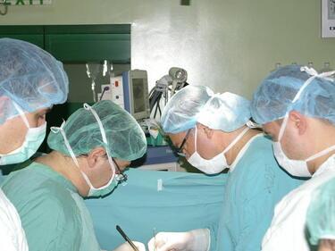 Във ВМА спасиха 56-годишен мъж с експлантация на черен дроб