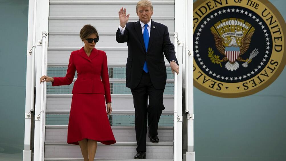 Президентът на САЩДоналд Тръмппристигна заедно със съпругата сиМеланиявПариж. Първата американска