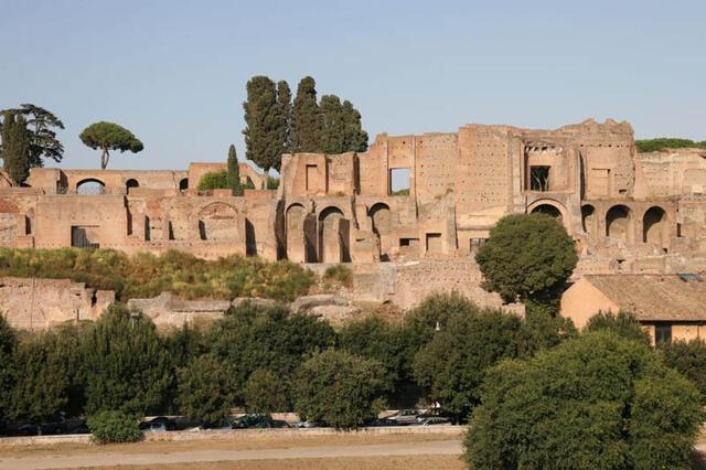 Незапомнена жега и суша в Италия! Рим минава на воден режим