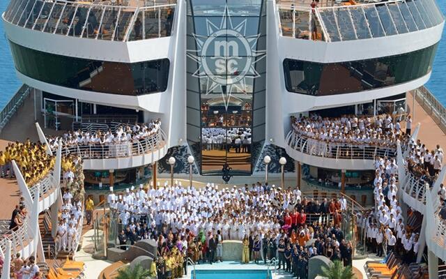 Най-големият и луксозен лайнер в Европа пори Средиземно море (СНИМКИ)