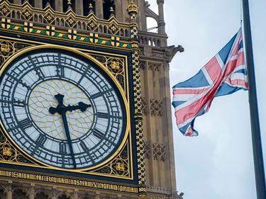 Великобритания минава на елетромобили от 2040 г.