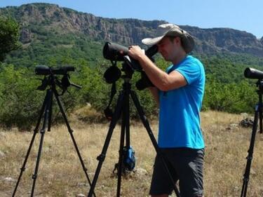 51 лешоядчета в Източните Родопи се учат да летят
