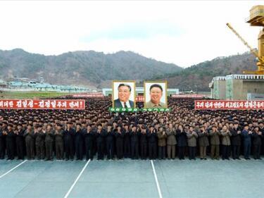 Всеки седми севернокореец иска да се бие със САЩ
