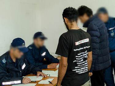 Мигранти се оплакват в Турция: Влезем ли в България, започват да ни бият