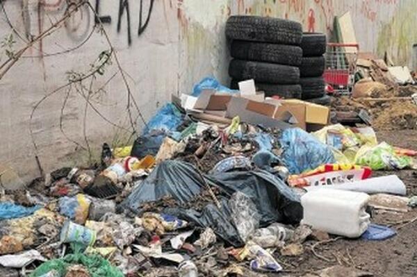 Германски град пропищя от български и румънски роми (СНИМКИ)