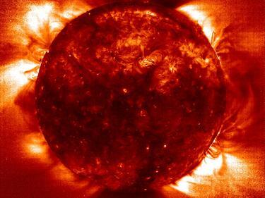 Рекордно слънчево изригване предизвика магнитни бури