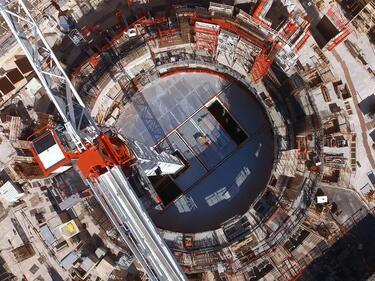 """Шефът на """"Росатом"""" инспектира строежа на експерименталния реактор ИТЕР"""
