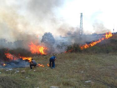 Силистренски огнеборци гасиха 8 пожара за няколко дни