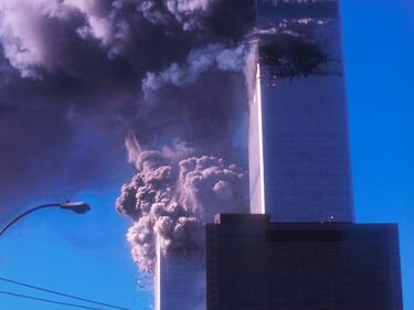 Героят от кулите-близнаци, спасил 2700 души (СНИМКИ/ВИДЕО)