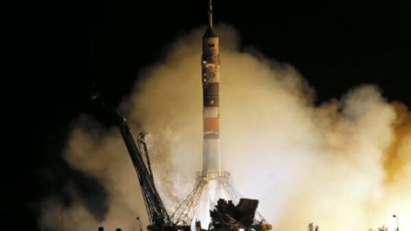 """Руският космически кораб """"Союз МС-06"""" се скачи с МКС"""