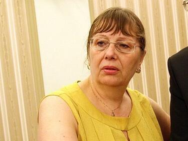 Уволнената шефка на Фонда за лечение на деца съди министъра