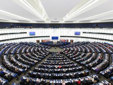 """Европарламентът поиска разследване на """"Азербайджанската афера"""""""