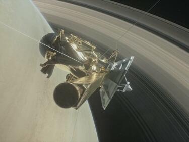 """Последни кадри на """"Касини"""" преди сблъсъка със Сатурн (СНИМКИ/ВИДЕО)"""