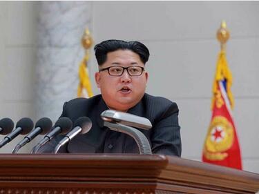 Северна Корея показа как унищожава US самолети и кораби (ВИДЕО)