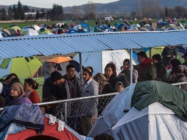И ООН започна да натиска държавите в ЕС да приемат повече мигранти