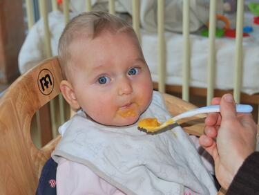Само лъжичка от отровените пюрета в Германия убива бебе