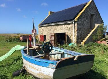 Франция търси младо семейство да стопанисва самотен остров (СНИМКИ/ВИДЕО)