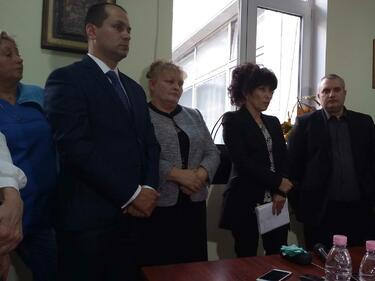 МЗ: Лекарите във Враца вече ще получават навреме заплатите си