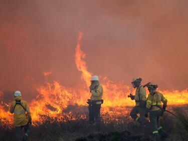 Расте броят на жертвите на пожарите в калифорния