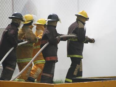 Огнеборците излизат на протест в събота