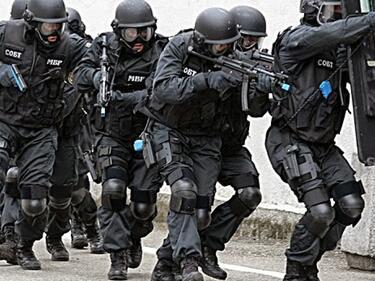 Обезвредиха мъж, стрелял по полицаи в Кърджалийско