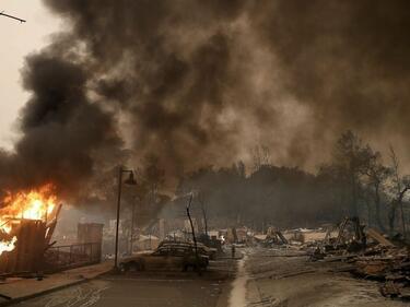 Огнен ад в Калифорния! Над 30 жертви, близо 500 изчезнали (СНИМКИ)