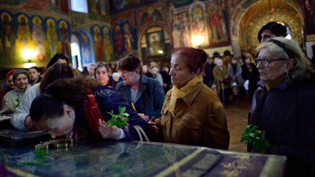 Българският патриарх Неофит освещава новия храм