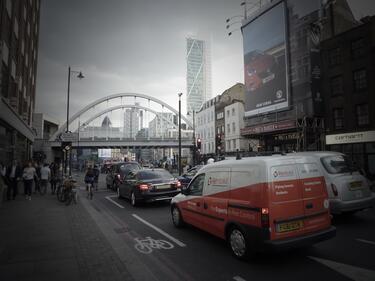 """Още по-солени такси за """"мръсните"""" автомобили в Лондон"""