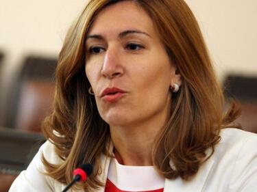 Ангелкова се похвали с рекорден ръст от 7,7% в туризма
