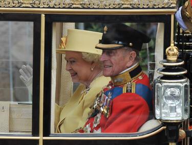 Елизабет Втора и съпругът ѝ - 70 години брак