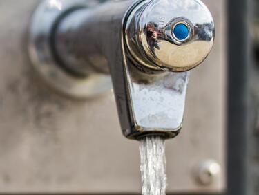 Парижки чешми пускат газирана вода