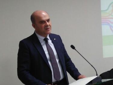 Над 30 000 българи тръгнали на работа за първи път през 2017 г.