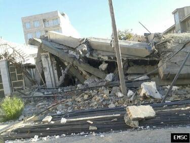 До 530 нараснаха жертвите на труса в Иран