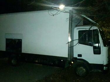 Хванаха цял камион с нелегални мигранти (СНИМКИ)