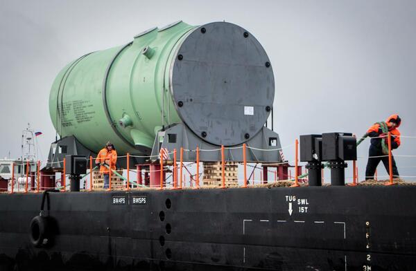 """Вторият реактор за АЕЦ """"Белене"""" вече пътува към България (СНИМКИ)"""
