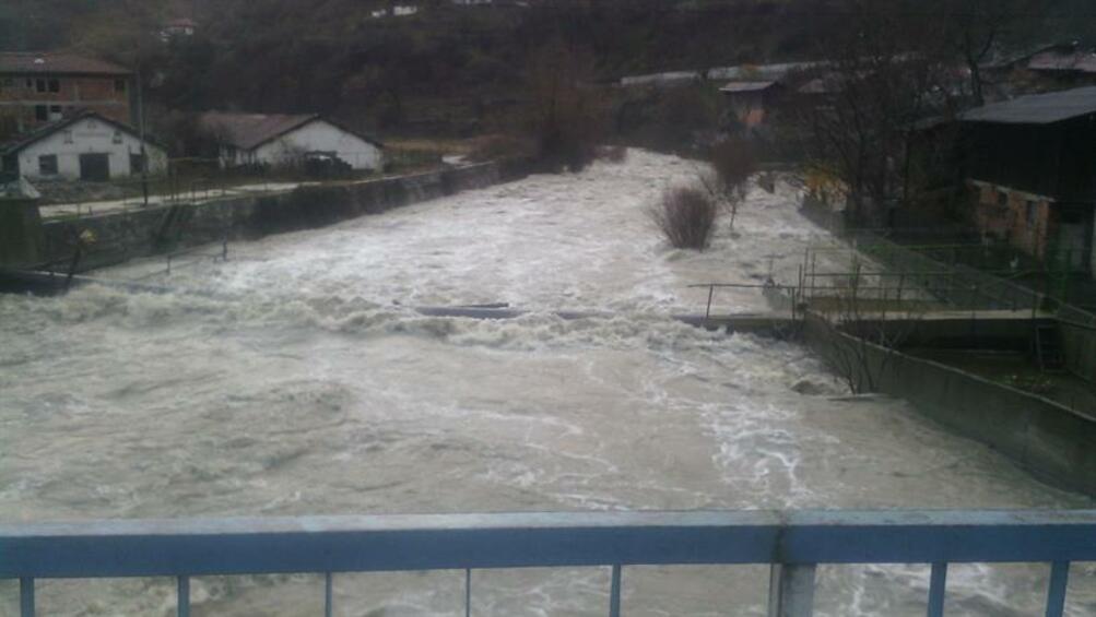 Към този момент обстановката в най-засегнатите от проливните дъждове области