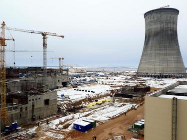 Втори блок на Беларуската АЕЦ вече е с монтиран реактор