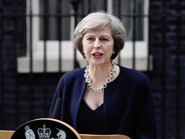 Британските служби спасили Мей от покушение