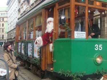 Коледен трамвай тръгва в София на 18 декември