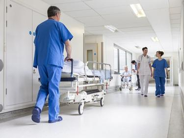 БСП: Да се спре лицензирането на нови болници